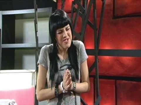 FoQ - Paula canta 'Sólo un cuento'