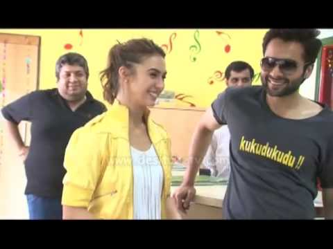 Welcome To Karachi Promotion-Lauren Gottlieb & Jackky Bhagnani Dance At Radio Mirchi 98.3 Fm
