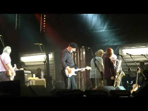 Richard Thompson - I Want To See The Bright Lights Tonight (Cropredy Festival 2012, 10/08/2012)