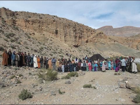 مغاربة ينهشهم البرد والجوع نواحي الريش