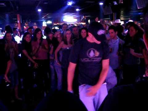 Hips Line Dance Hip Hop Dancing a Line