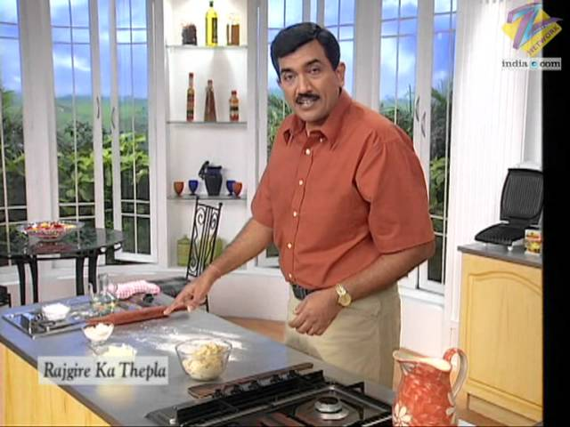 sddefault Vrat Ka Thalipeeth (Fasting Food) | Sanjeev Kapoor