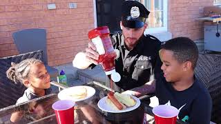 Police Dad Restaurant Kids Pretend Play | FamousTubeKIDS
