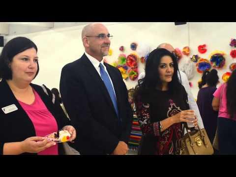 Agencia Latina extiende puentes a Escuelas de OKC