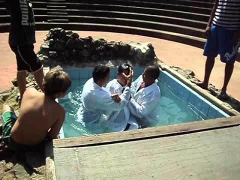 batismo da igreja evangelica ministerio esperança
