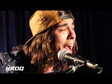 Pierce The Veil - I'm Low On Gas And You Need A Jacket (Live @ KROQ Acoustic)
