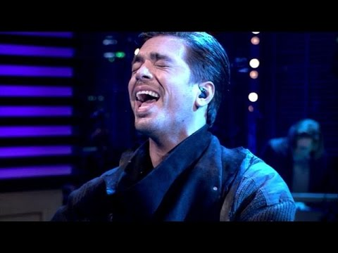 Waylon zingt I Want To Know What Love Is - RTL LATE NIGHT