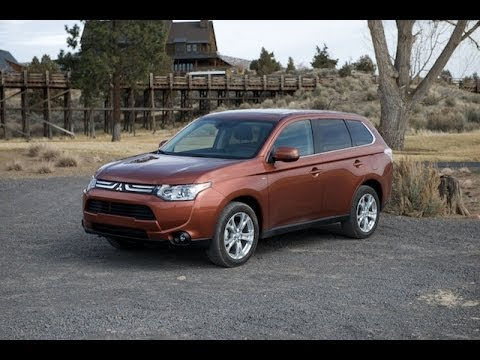 0 2014 Mitsubishi Outlander   A multipurpose car