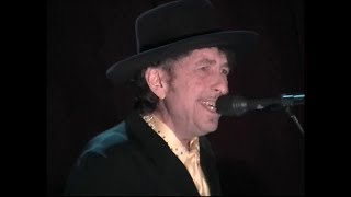 Watch Bob Dylan Million Miles video