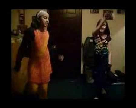 10 year old girls dancing to Shakira