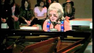 Watch Elton John The Greatest Discovery video