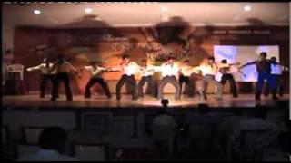 Men In Mech Guyz Aasai Nooru Vagai Dance