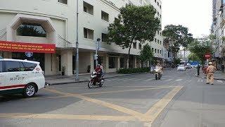 CSGT đánh võng ép taxi Vinasun dính lề vì ngoan cố không nhường đường đoàn VIP Micronesia