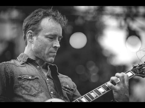 Low - Do You Know How Wo Waltz? (Live @ Rock The Garden, 2013)