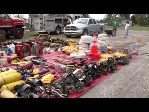 GOOSE CREEK ISLAND FIRE STATION FLOODS OUTSIDERS COME HELP