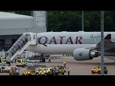 Qatar Airways, A330 scortato dalla RAF