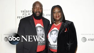 Famous conspiracy theorist lawyer behind lawsuit against Trayvon Martin's family l ABC News