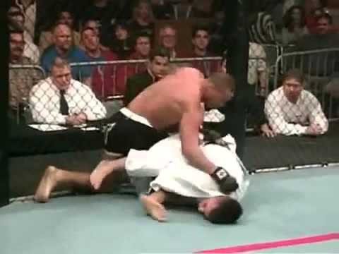 Boxing vs Jiu Jitsu (Full Contact Cage Fight)