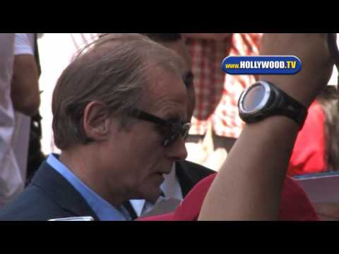 Bill Nighy Signs Autographs For Fans At G-Force Premiere.