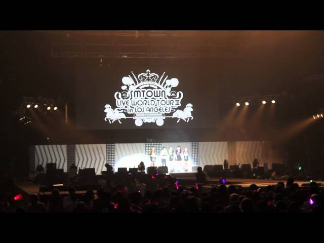 SMTOWN World Tour - SHINEE, f(x) Performance