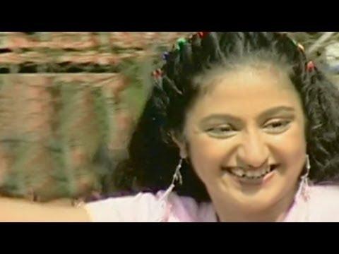 Aali Bagha Collegeachi Poari - Bai Bai Man Moracha Marathi Song...