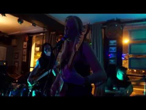 ZARA( BAND) PLAY MY BLOOD @OXJAM MUSIC FESTIVAL  LONDON 17 10 15