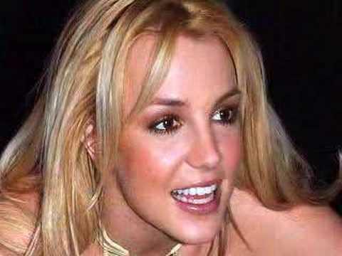 Pamela Anderson ties the knot