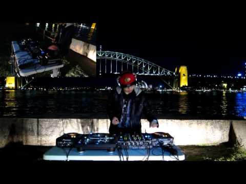 DJ Cotts & Ravine ft Gammer (UK) - B2B Hardcore Mix by the Sydney Harbour Bridge!