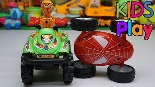 Đồ chơi trẻ em Người nhện chạy xe o to và đua với xe nhện - Toys for kids