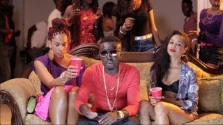 Criss Waddle - Ayi ft. Bisa Kdei