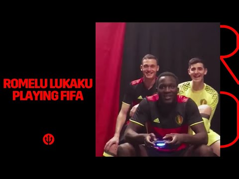 Romelu Lukaku suffers when playing FIFA game :-)