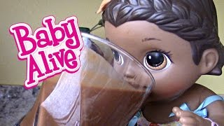 BABY ALIVE makes her own SMOOTHIE! The Lilly and Mommy Show!  Gross smoothy and SURPRISE ending!