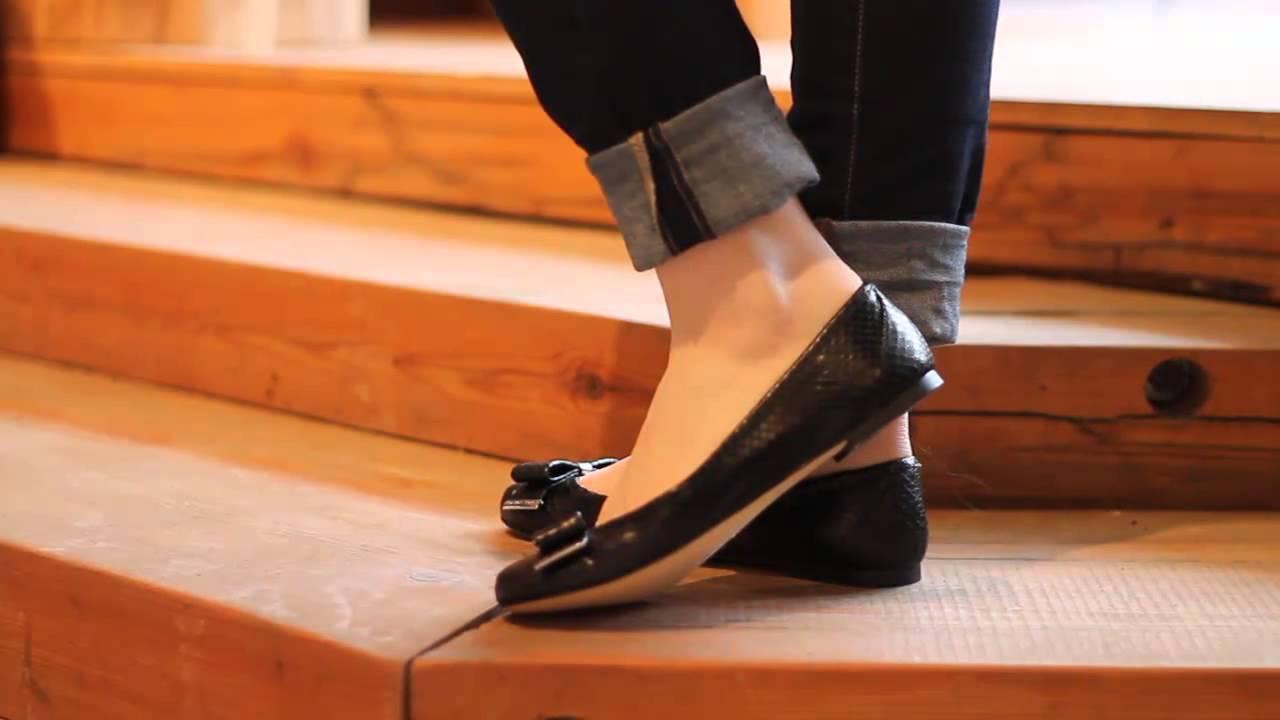michael kors kiera ballet in black youtube. Black Bedroom Furniture Sets. Home Design Ideas