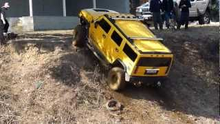 Hummer H2 and H1 Off roading 1/2