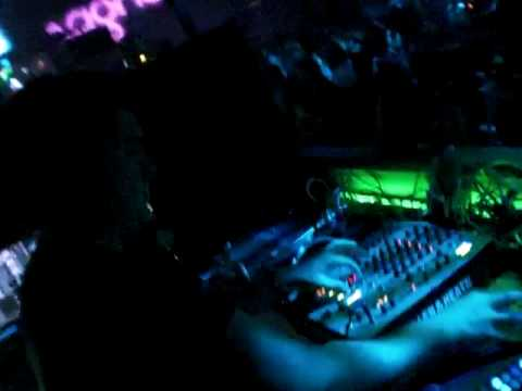 DJ PATT @ BOTANIC DISCO TUDELA 06-03-2010 VIOLINES.MOV