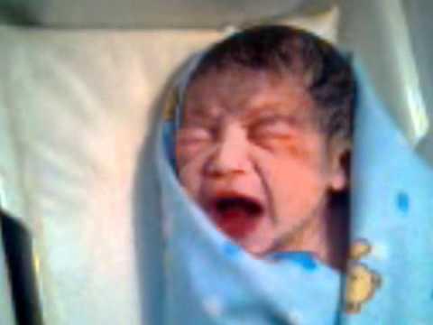 Bayi lahir manggil bapak