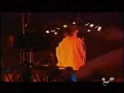 Broadcast - Papercuts (live)
