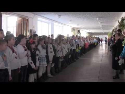 11 000 дітей та вчителів Калуша заспівали Державний Гімн України