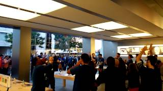 Apple Boston Inside Store Welcome for iPhone 5S