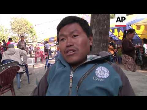 Cremation service for Sherpa killed in Everest avalanche