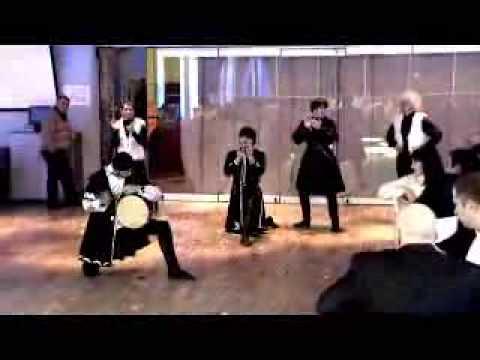 Танец в исполнении грузин