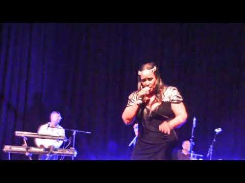 Vicki Sampson sings My African Dream @ CTICC