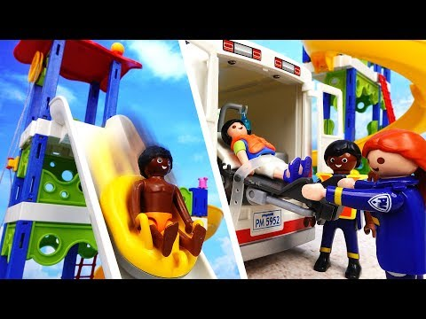 The Accident Happened At The Water Park~! Hurry Up Ambulance, A Kid is Hurt - ToyMart TV