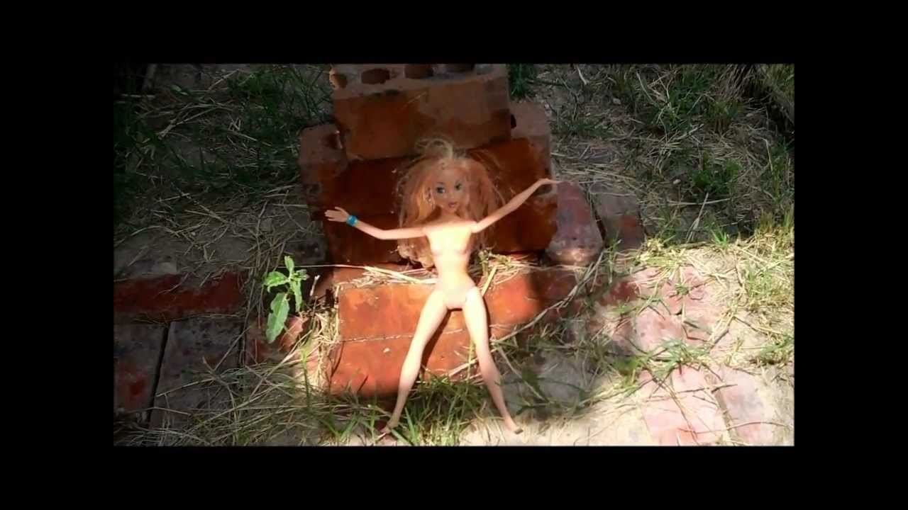 How to Kill a Naked Barbie - YouTube