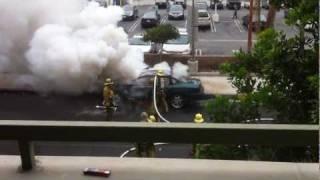car එකක් පුපුරනවා දැකලා තියනවාද ගිනි ගන්නවා නෙවේCar  Explosion in Los Angeles 19th August 2011 Brave
