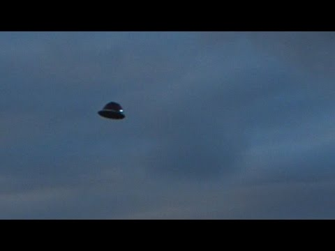 UFO Sightings Flying Saucer Zooms Florida! Stunning Video In Broad Daylight 2014
