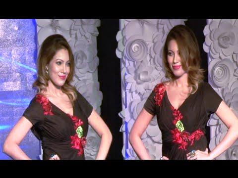 Munmun Dutta Aka Babita's Confident Ramp Walk At Be With Beti Fashion Show 2015. video