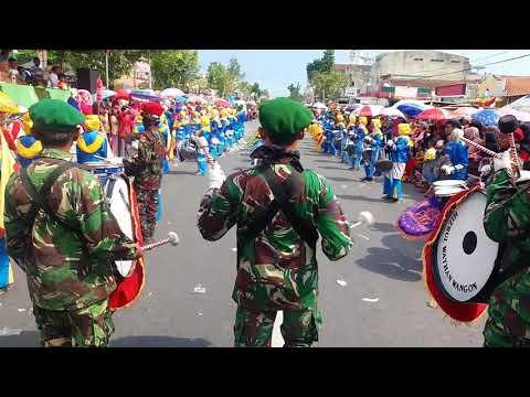 Edan turun  by drum band MTs Muhammadiyah wangon