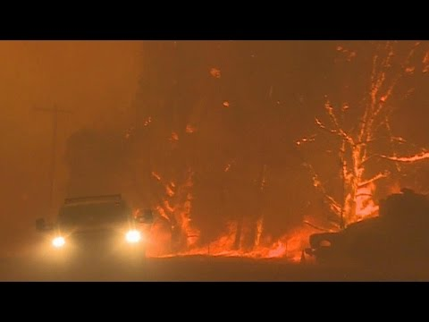 Thousands in California evacuate as wildfire closes in