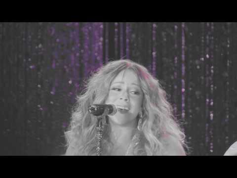 Carey, Mariah - Looking in